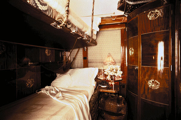 le crime de l 39 orient express. Black Bedroom Furniture Sets. Home Design Ideas